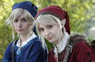 red and blue elf girls