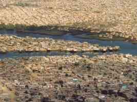 equador guayas slum in guayaquil