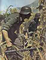 German machine gun squad about to attack