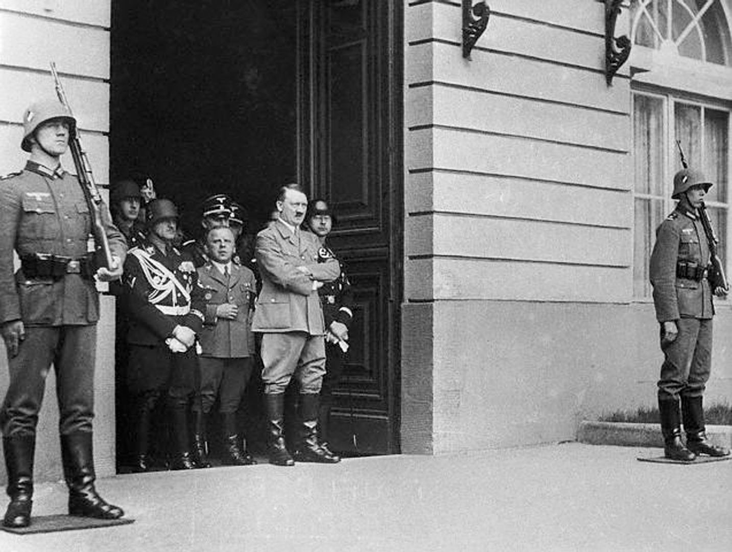 Hitler And Himmler At The Doorway Of The Chancellory In Berlin
