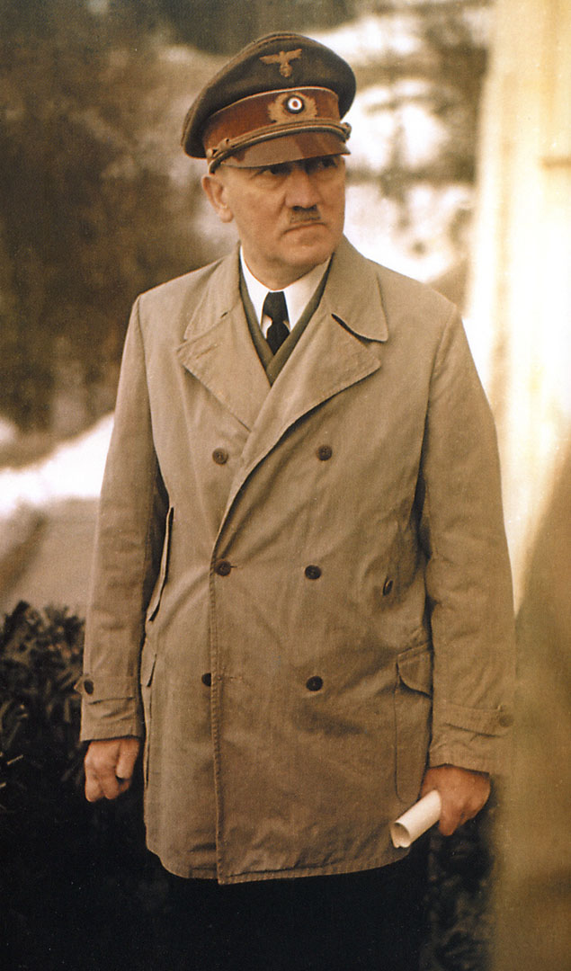 the role of adolf hitler to the breakout of world war ii Breaking: trump pardons hitler for groups by the nazis during world war ii doubt on the degree to which adolf hitler played a role in the.