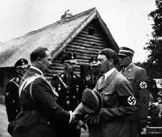 hitler shaking hands with goering