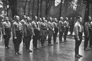 soldiers including hitler standing in line