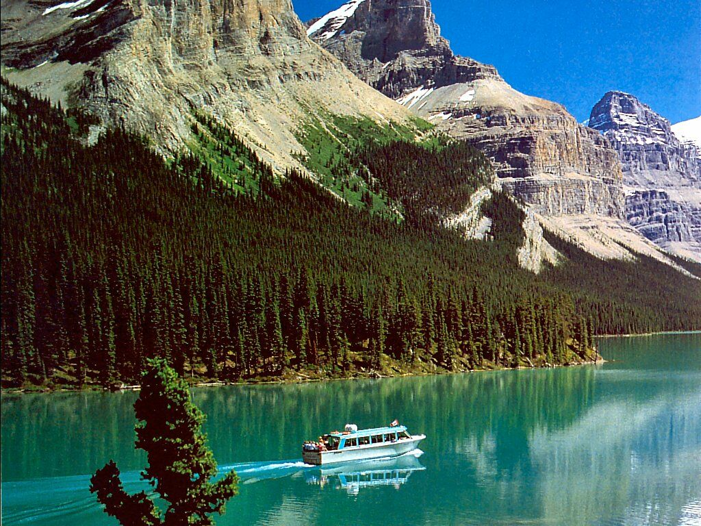 Canadian Rockies Maligne Lake With Tour Boat