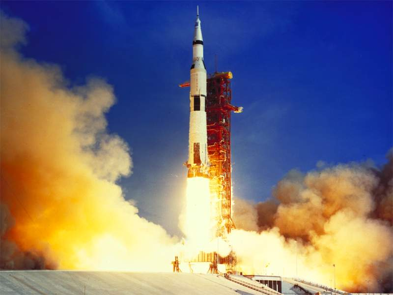 Apollo 11 Saturn 5 Launch - Space Wallpaper
