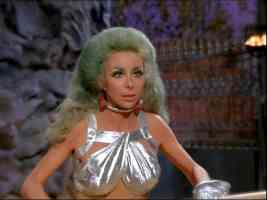 star trek babes angelique pettyjohn as drill thrall shanah in the gamesters of triskellion
