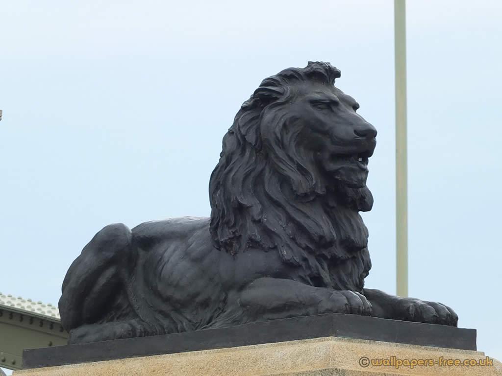Lion Statue At Rochester Bridge
