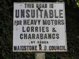 this road is unsuitable for heavy motors lorries and charabancs