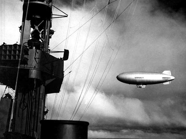 Dirigible Escort USS Casablanca 1943