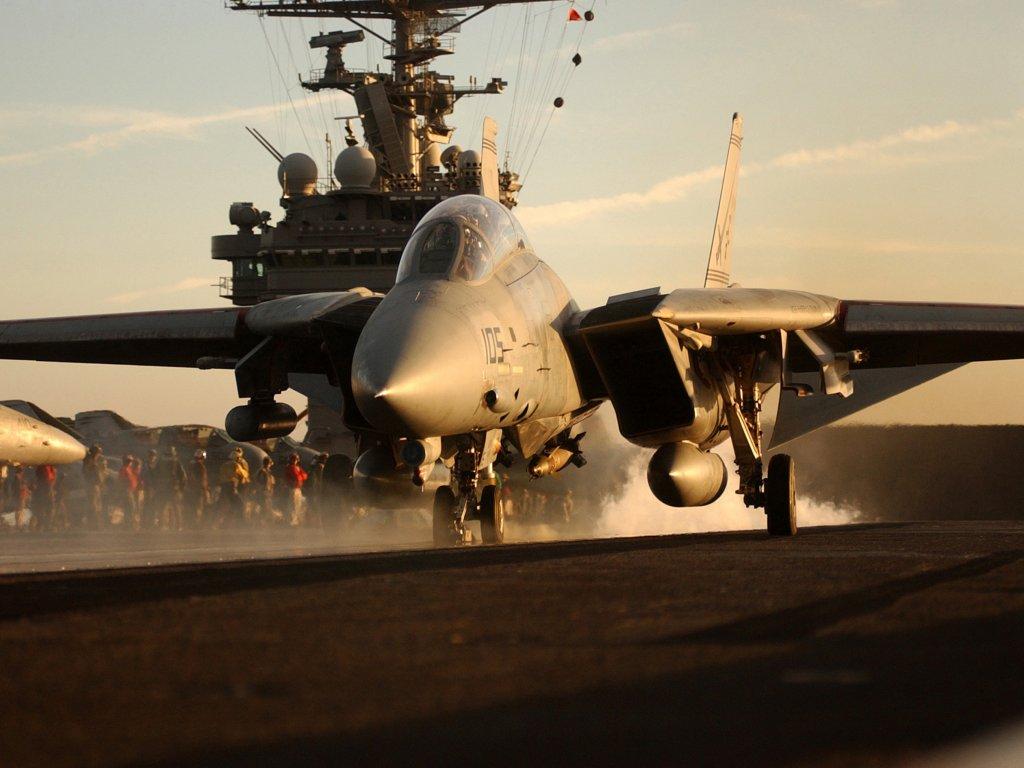 F 14 Tomcat Landing On Carrier