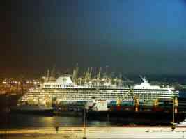 ship night day