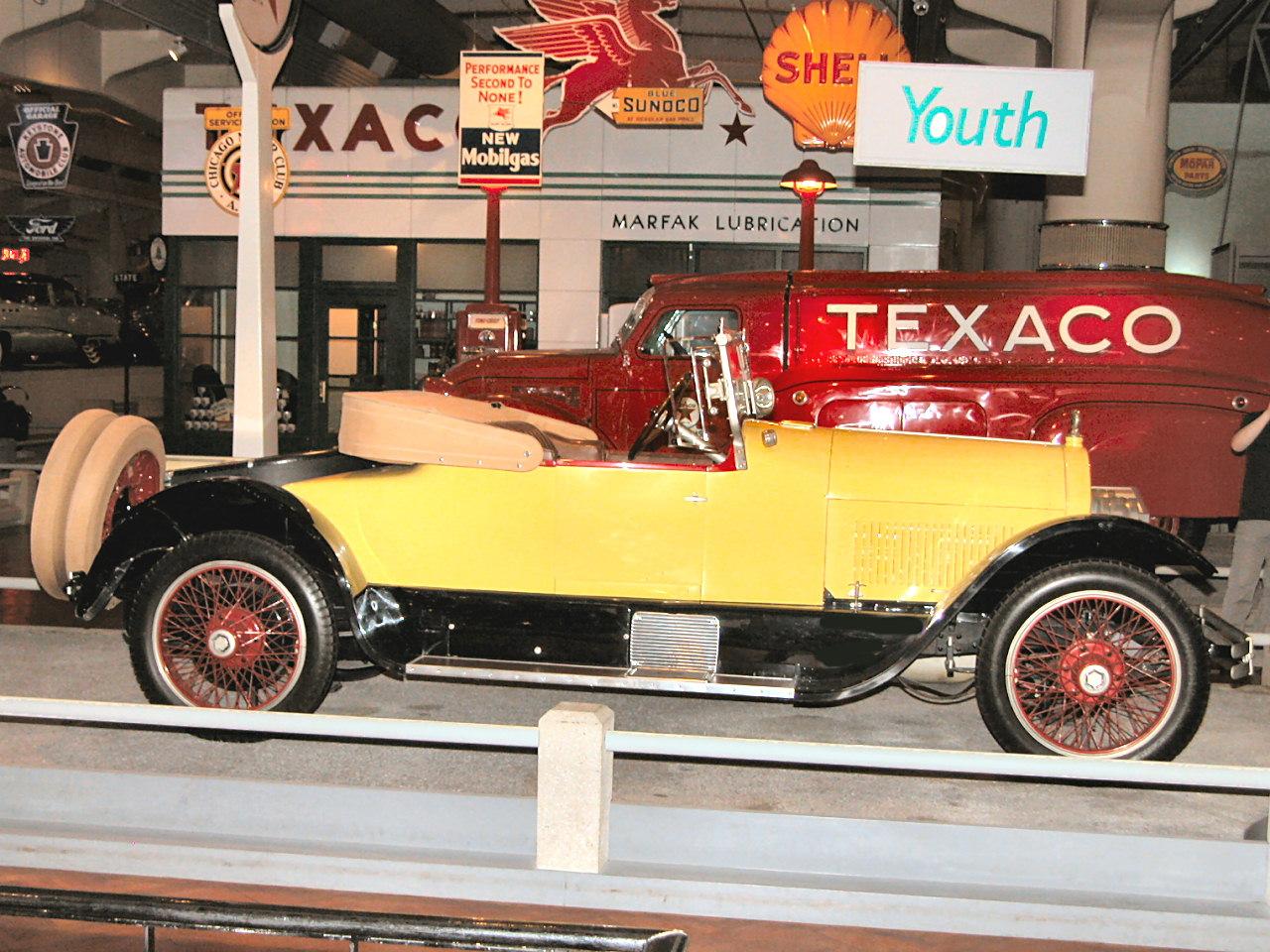 1923 Stutz Bearcat Roadster Yellow Black Svr H Ford Museum N