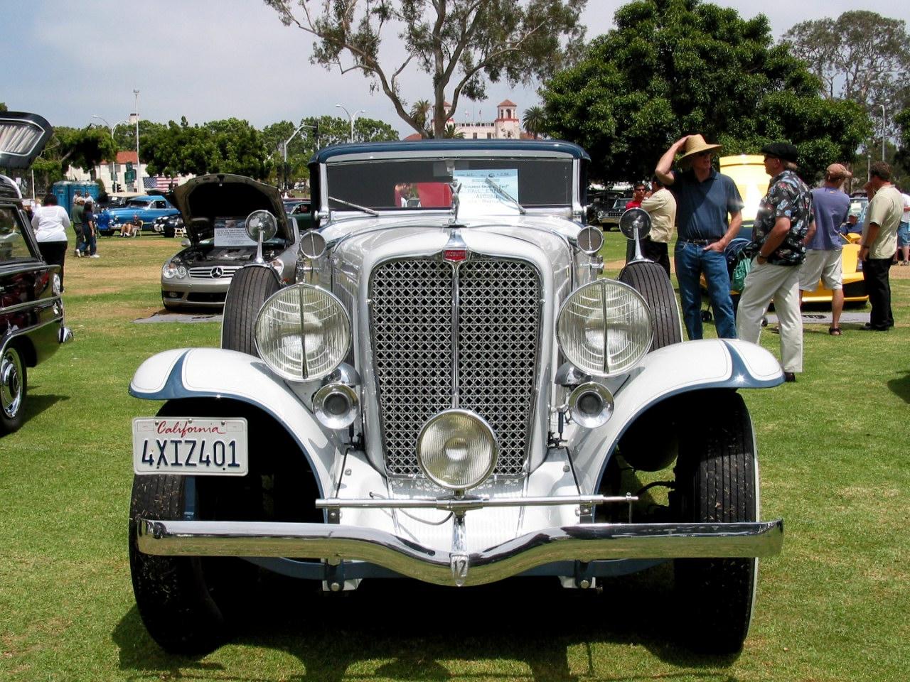 1932 Auburn 12 160 Phaeton White Fv