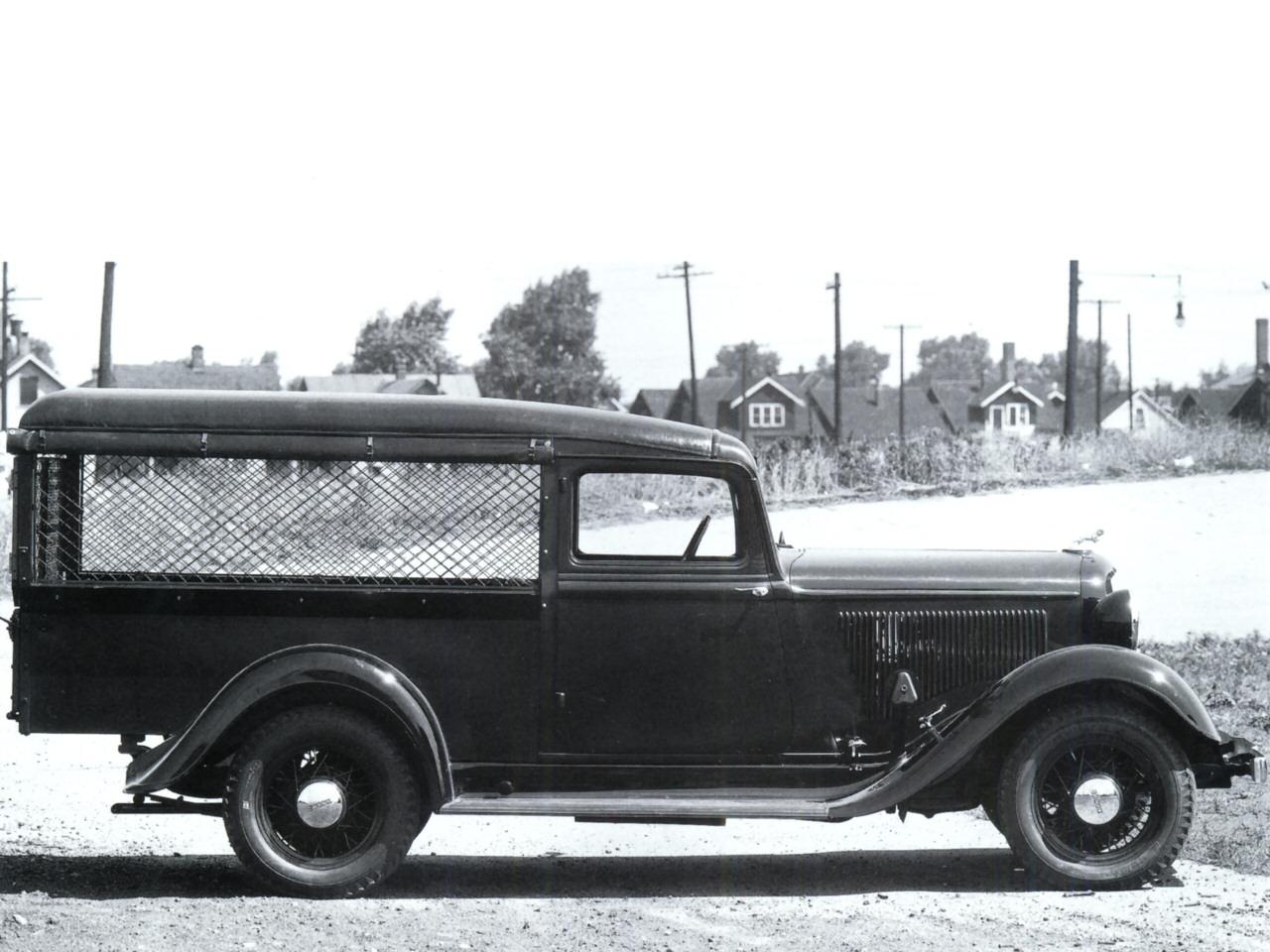 1933 Dodge Screenside Pickup Svr BW