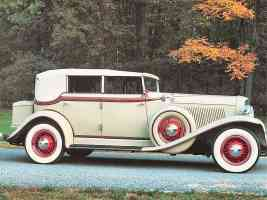 1930 Auburn Phaeton Sedan Cream Rt fsv