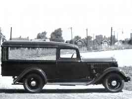 1933 Dodge Screenside Pickup svr BW