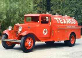 1934 Ford Model BB Texaco Tanker Truck Red fvl