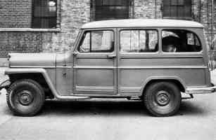 1955 Willys Jeep 2 Door Station Wagon sv BW