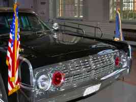 1961 Lincoln Presidential Bubble Top Parade Limousine Kennedy Assasinated Nov 1963 Flags H Ford Museum CL