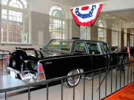 1961 Lincoln Presidential Bubble Top Parade Limousine Kennedy Assasinated Nov 1963 rvr H Ford Museum CL