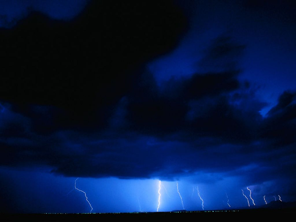 Blue lightning clouds weather wallpaper image featuring lightning