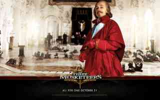 christopher waltz as cardinal richeleu in three musketeers